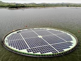 Die schwimmende Solaranlage in den Philippinen.