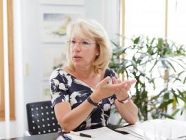 Jacqueline de Quattro ist Vorsteherin des Departements für Bau und Umwelt des Kantons Waadt und Präsidentin der Bau-, Planungs- und Umweltdirektoren-Konferenz.