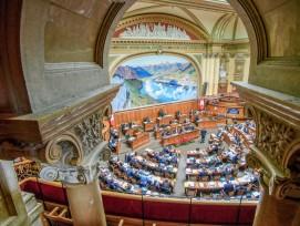 Blick in den Nationalratssaal: Viele Rahmenbedingungen für die Schweizer Bauwirtschaft werden von der Politik bestimmt.
