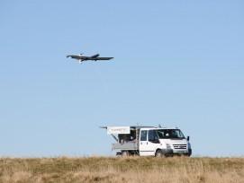 Erfolgreicher Testflug im Herbst 2018 auf den Höhen des Chasseral: Der TwingTec-Prototyp T 28, ein Gerät mit drei Meter Spannweite, startete selbständig von seinem Basisfahrzeug, schraubte sich in die Höhe, kreiste 30 Minuten lang autonom in der Luft, pro