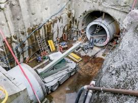 Einbau der Rohrelemente beim Kraftwerk «Doppelpower»in Mitlödi GL: Die Tunnelbohrmaschine steckt nicht mehr fest, dies im Gegensatz zum Glarner Richtplan.