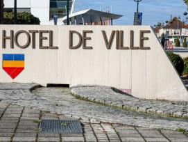 In mehr als 130 «Hôtels de ville» verschwanden seit Jahresbeginn Macron-Porträts.