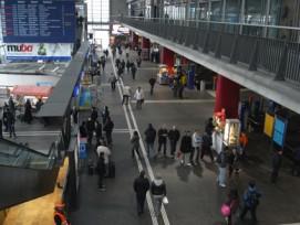 Um 40 Prozent soll der öffentliche Verkehr in Luzern, wie hier am Bahnhof, bis 2030 zunehmen. (Bild: Urs Rüttimann)