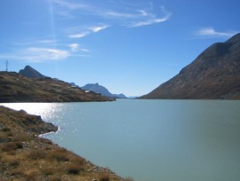 Die Schweiz als Batterie Europas? Gemäss Bundesrat ist dies vor allem dank Pumpspeicherkraftwerken wie am Lago Bianco ein realistisches Szenario.