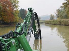 Beim Aushub von Gewässern gelten künftig wohl lockerere Gewässerschutz-Bestimmungen. (Bild: Archiv)