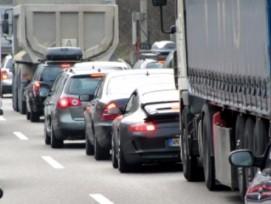 Mit Roadpricing gegen Verkehrsüberlastung? (Bild: Rainer Sturm/pixelio.de)