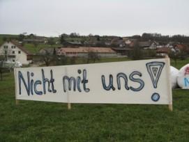 Der Protest der Bettwiler gegen eine Asylunterkunft wurde zumindest vorübergehend erhört. (Bilder: zvg)