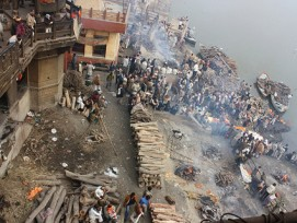 Szenen wie bei einem Hindu-Begräbins in Varanasi (Indien) sind in Luzern trotz der Erlaubnis von Flussbestattungen nicht zu erwarten.