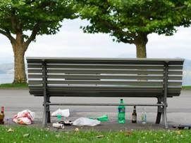 Mit Dreck gegen Littering: Zug geht im Kampf gegen Abfallsünder ungewöhnliche Wege.