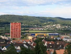 Neben dem Shoppi Tivoli in Spreitenbach AG sollen ein Fachmarkt und über 400 günstige Wohnungen entstehen.