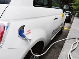 Nur unter idealen Bedingungen ökologisch: Nicht der Motor, sondern der getankte Strommix entscheidet darüber, wie umweltfreundlich Elektromobilität ist.