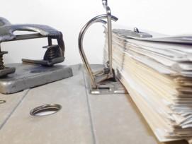 Setzt weiterhin auf Ordner: Der Kanton Aargau hat die Einführung eines digitalen Archivsystems aus Kostengründen abgesagt.