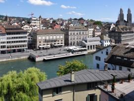 Die Schweizer Zentren, im Bild Zürich, tragen weit höhere finanzielle Lasten als die übrigen Gemeinden...