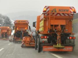 Mehr Tempo: Die Flüssigstreuer können mit etwa 80 km/h arbeiten, die bisherigen Fahrzeug brachten das Salz mit maximal 50 km/h aus.