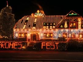 Des einen Freud', des andern Leid: Nachbarn können sich von Aussenbeleuchtungen schnell einmal gestört fühlen. In der Weihnachtszeit müssen sie allerdings mehr Toleranz zeigen als sonst.