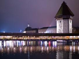 Wenn es dunkel wird, geht man in Luzern nicht einfach schlafen. Das Nachtleben verursacht, wie in allen grösseren Städten, auch an der Reuss Probleme.