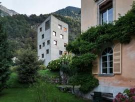 Verdichten im Dorfkern: Die Villa Garbald im Dorf Castasegna.