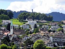 Rüschlikon am Zürichsee will bis 2020 ein flächendeckendes FTTH-Netz errichten.
