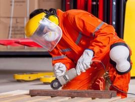 Bauarbeiter mit Warnschutzjacke (Symbolbild)