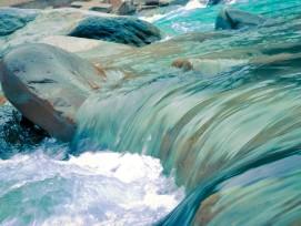 Fliessgewässer, Wellen.