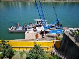 Bagger Ponton Rhein Basel Rheinsprung