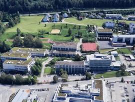 Dreifachturnhalle bei der Kantonsschule Ausserschwyz (KSA) und dem Berufsbildungszentrum Pfäffikon
