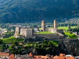Castelgrande von Bellinzona vom Castello di Montebello aus