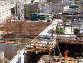 Grossbaustelle: In Bülach werden die Untergeschosse des künftigen Glasi-Wohnhochhauses betoniert.