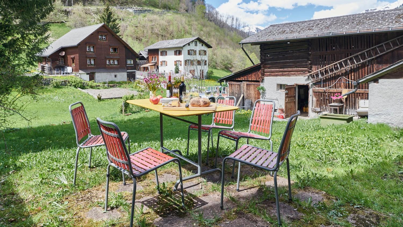 Gartensitzplatz, Grosshaus, Elm, Stiftung Ferien im Baudenkmal