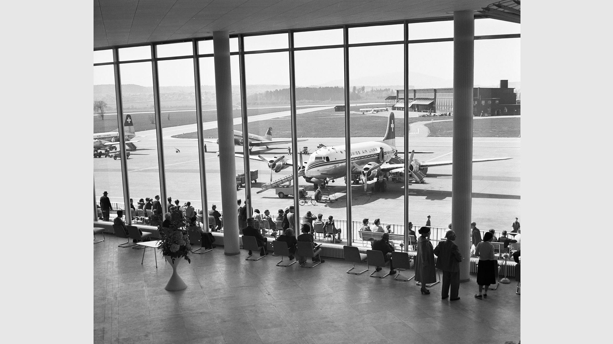 Abflughalle Kloten, 1948-1959.