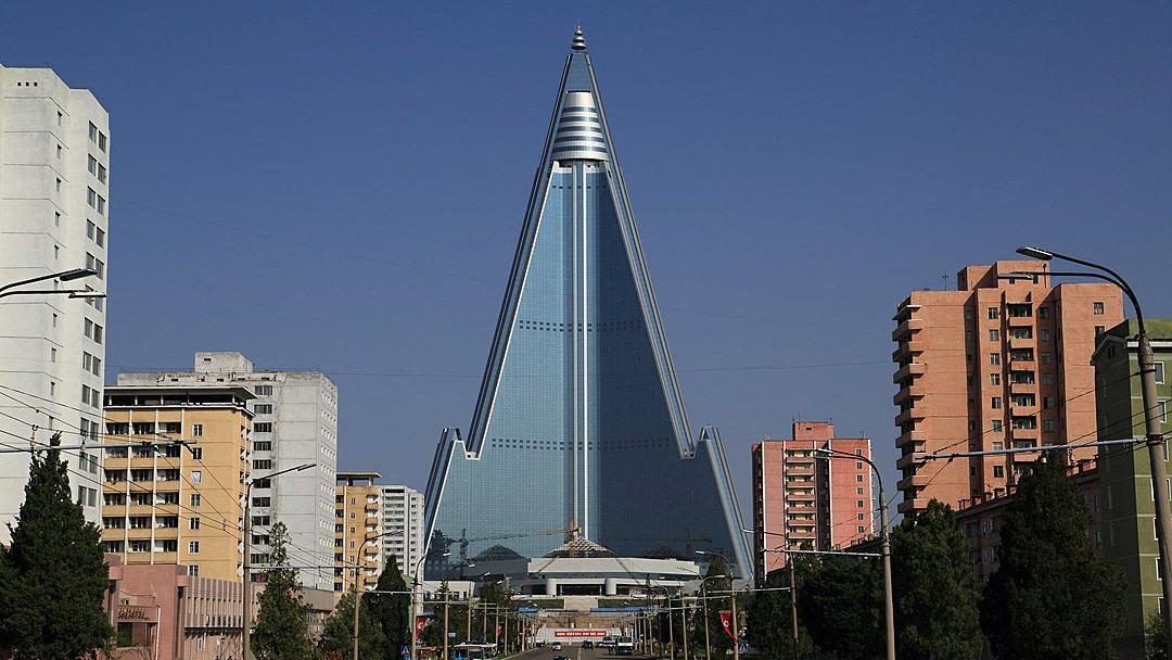 Ryugyong Hotel in Nordkorea im Mai 2012