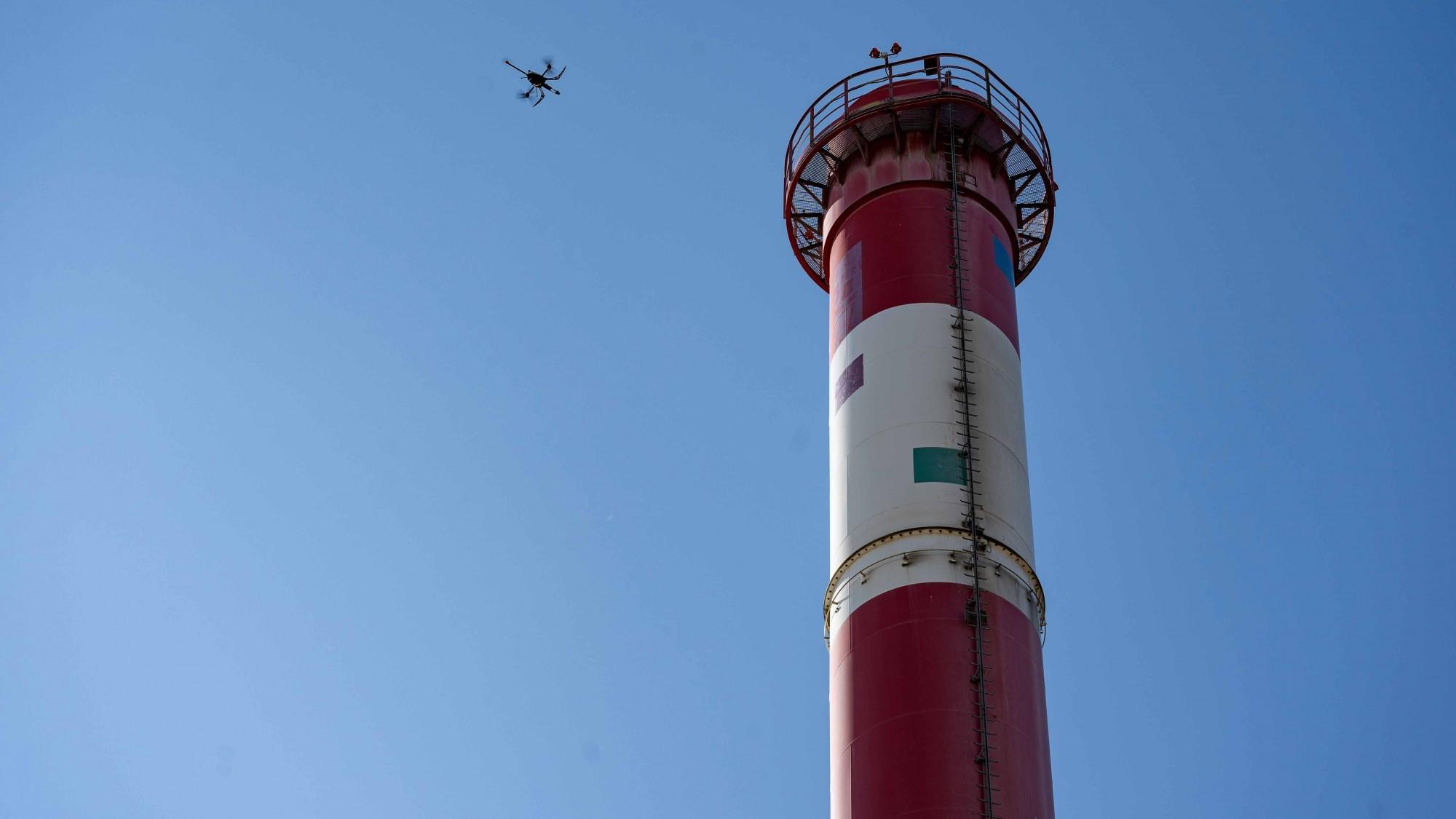 Drohnen-Messung an Kamin von Holcim-Zementwerk